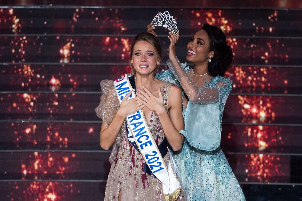 ملكة جمال فرنسا 2020 كليمنس بوتينو، تتوج الفرنسية أماندين بوتي من نورماندي ملكة جمال فرنسا لعام 2021، 20 ديسمبر 2020