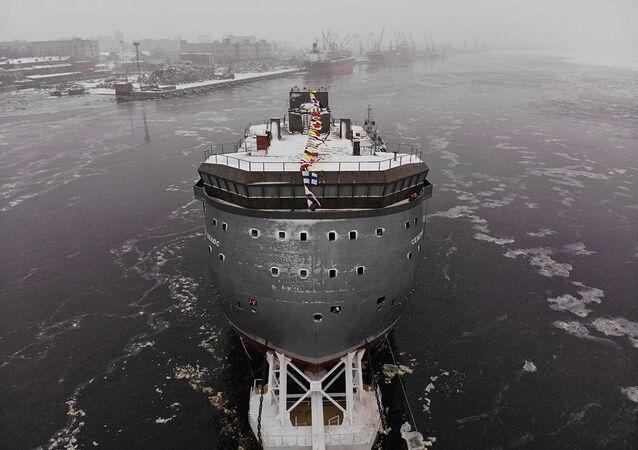 سفينة القطب الشمالي الروسية