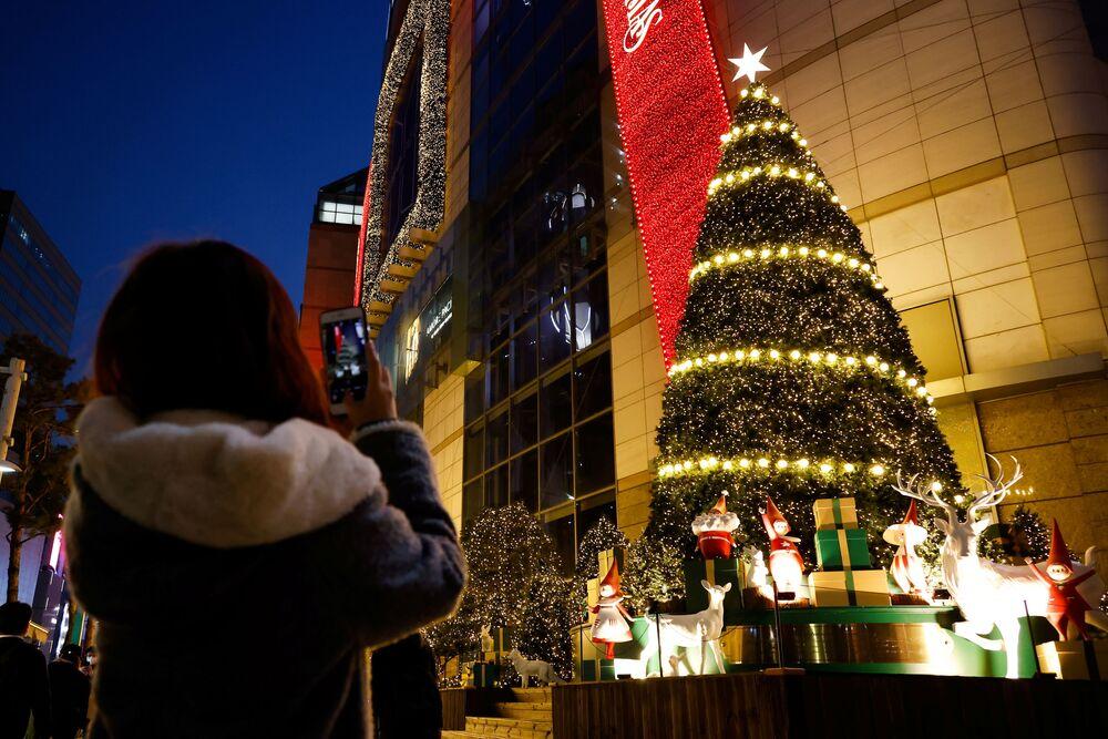 شجرة عيد الميلاد في مدينة سيؤل، كوريا الجنوبية  26 نوفمبر 2020