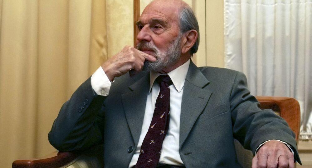 العميل البريطاني جورج بلايك الذي عمل لصالح الاستخبارات السوفياتية خلال القرن الماضي