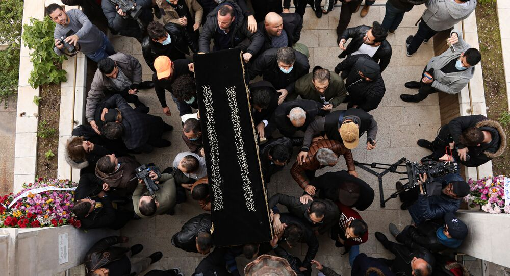 جثمان الراحل المخرج السوري حاتم علي