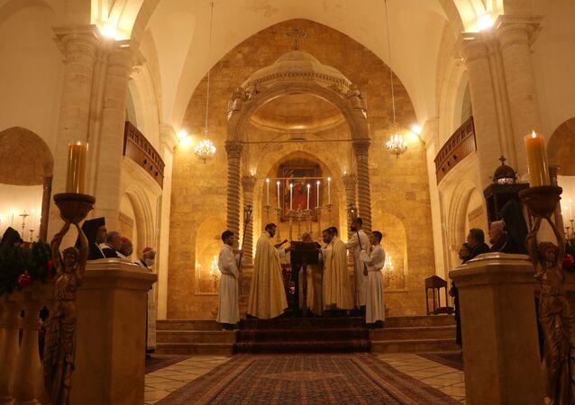كنائس حلب تصلي للسلام وخلاص البشرية