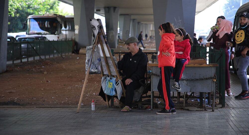 الرسام بسام كمال... موهبة سورية تحت جسر في بيروت