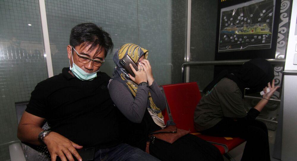 السلطات الإندونيسية تعثر على حطام يُرجح أنه طائرة أقلعت من جاكرتا وانقطع الاتصال بها