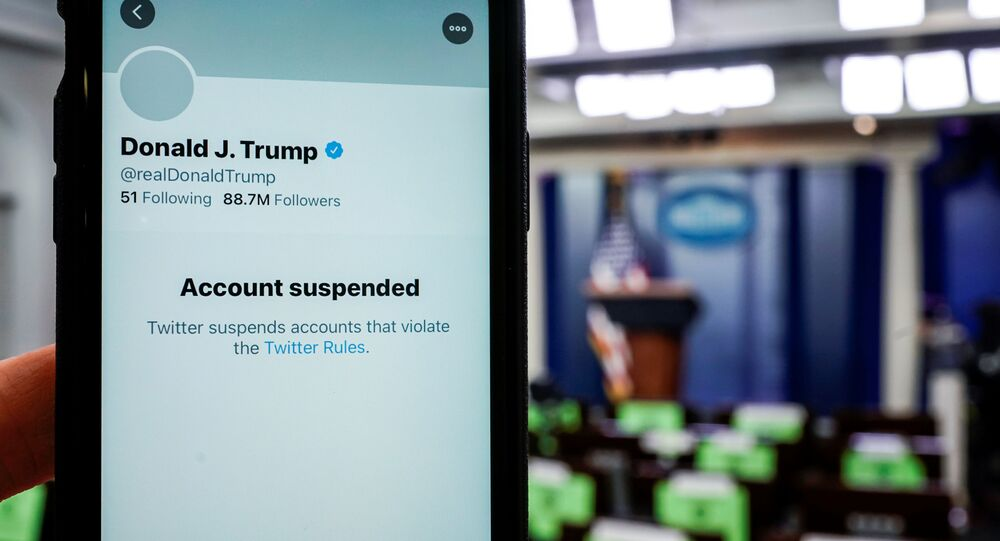 حظر الرئيس الأمريكي دونالد ترامب على تويتر