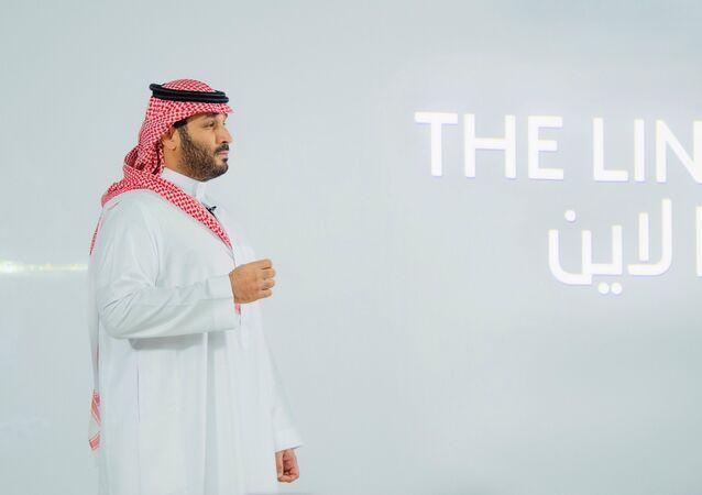 ولي العهد السعودي، الأمير محمد بن سلمان، يعلن عن مدينة خالية من الكربون تسمى ذا لاين، سيتم بناؤها في نيوم شمال غرب المملكة العربية السعودية، 10 يناير/ كانون الثاني 2021