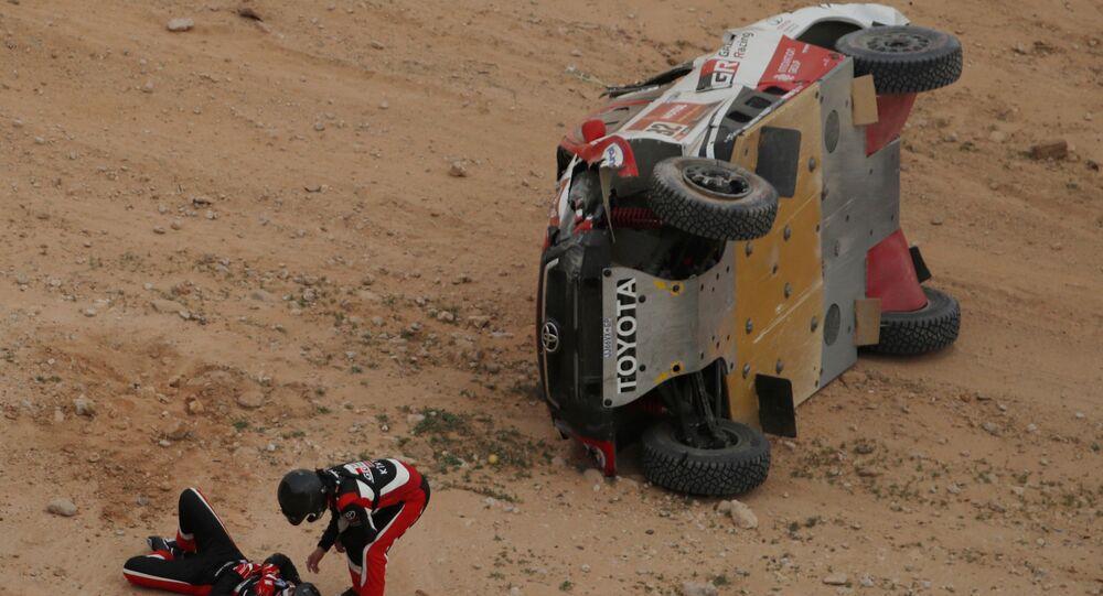 فريق تويوتا غازو ريسينغ في القيصومة خلال المرحلة الخامسة من سباق رالي داكار السعودية 2021، 7 يناير 2021