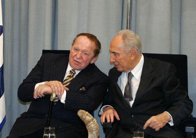 الملياردير شيلدون أديلسون وشيمون بيريز