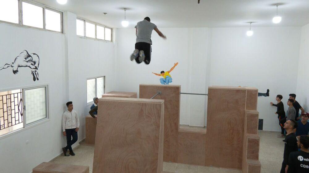 أول أكاديمية في فلسطين تحتضن محبي رياضة الباركور