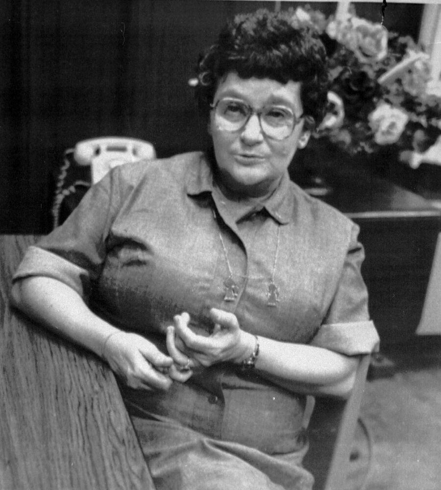 القاتلة المدانة فيلما بارفيلد، بتهمة التسمم بالزرنيخ لزوجها المدني وعدة أشخاص آخرين، تظهر أثناء تسجيل لمقابلة معها في أكتوبر/ تشرين الأول 1984. تم اعدامها فيما بعد.
