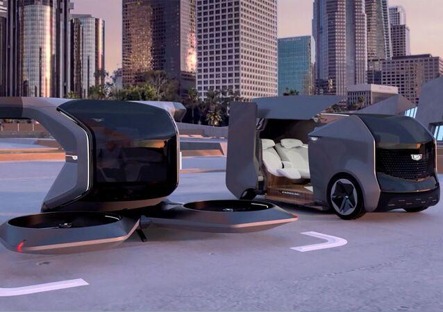 تظهر التصميم المستقبلي من كاديلاك، مكوك كهربائي وطائرة بدون طيار ذاتية الإقلاع والهبوط (VTOL) ،في صورة مسجلة من فيديو قدمته شركة جنرال موتورز (GM) في معرض CES 2021 في 12 يناير 2021.