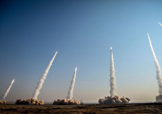 إطلاق متزامن لصواريخ إيرانية