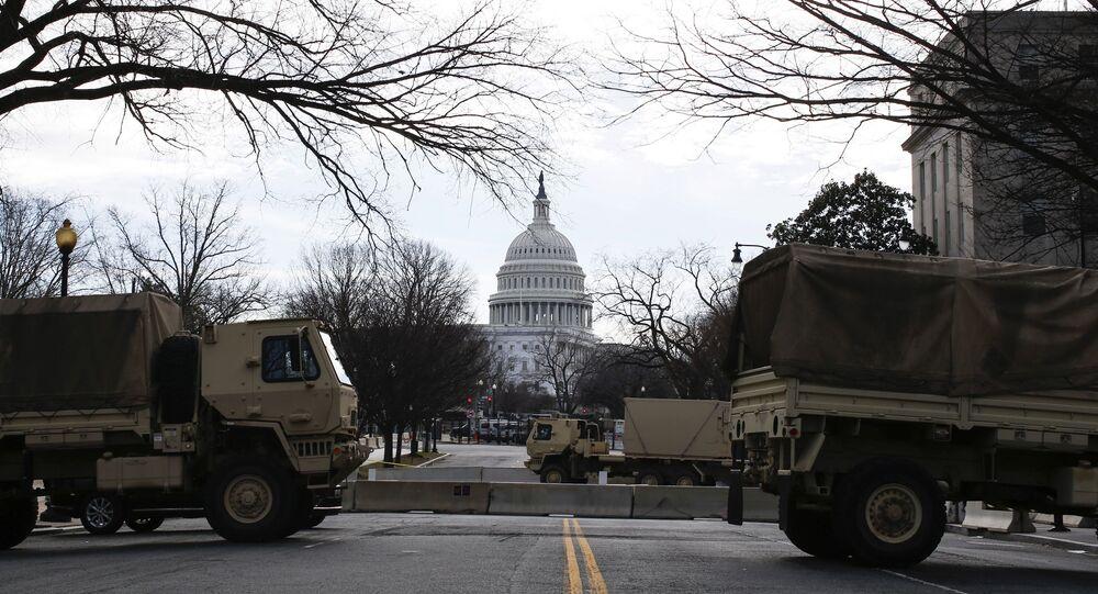 توافد قوات الحرس الوطني إلى مبنى الكابيتول في العاصمة الأمريكية واشنطن، قبل مراسم تنصيب الرئيس المنتخب جو بايدن رئيسا للبلاد