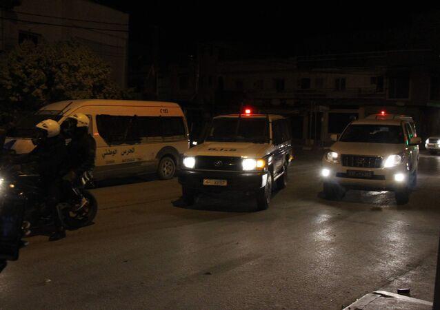 قوات الحرس الوطني في حي الانطلاقة بالعاصمة تونس
