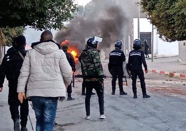 اشتباكات في محافظة القصرين تونس