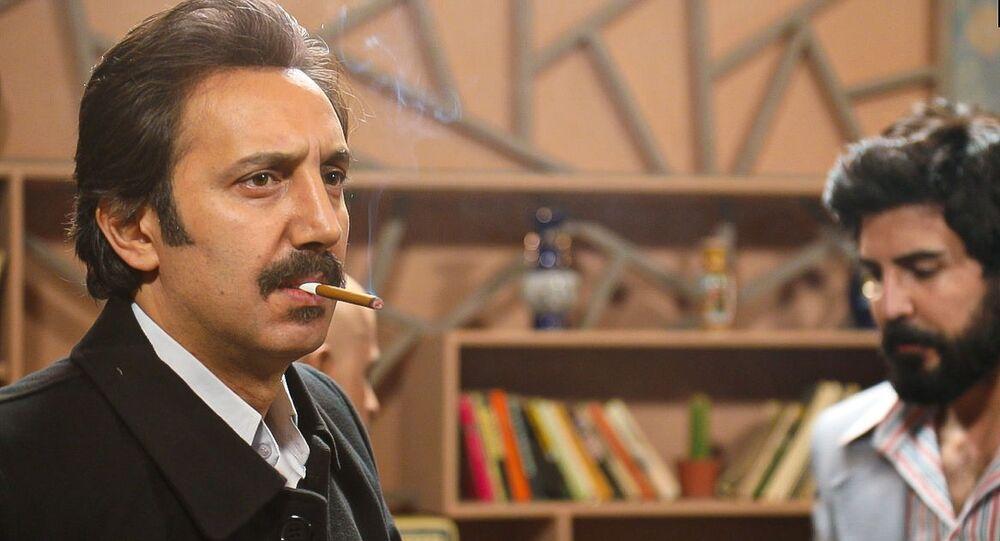 أحمد الأحمد... أنف يغطي على بلد