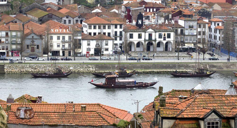 منظر لشارع راموس بينتو في بورتو، البرتغال