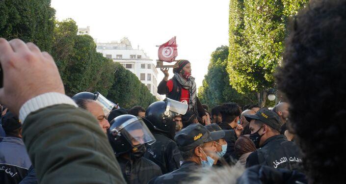 مسيرة احتجاجية بشارع الحبيب بورقيبة