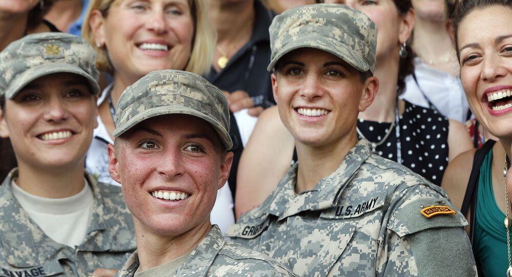 مجندات في الجيش الأمريكي