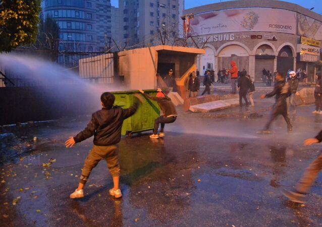 احتجاجات في طرابلس، لبنان 27 يناير 2020