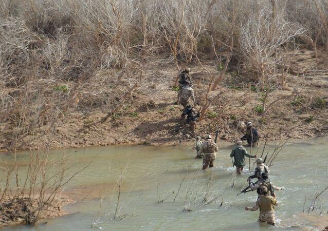 القوات العراقية تدمر خفايا لـداعش جنوبي محافظة كركوك العراق
