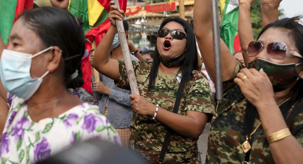 الانقلاب العسكري في ميانمار، مدينة يانغون، 1 فبراير 2021