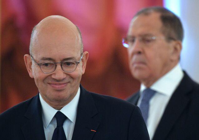 السفير الفرنسي لدى روسيا  بيير ليفي