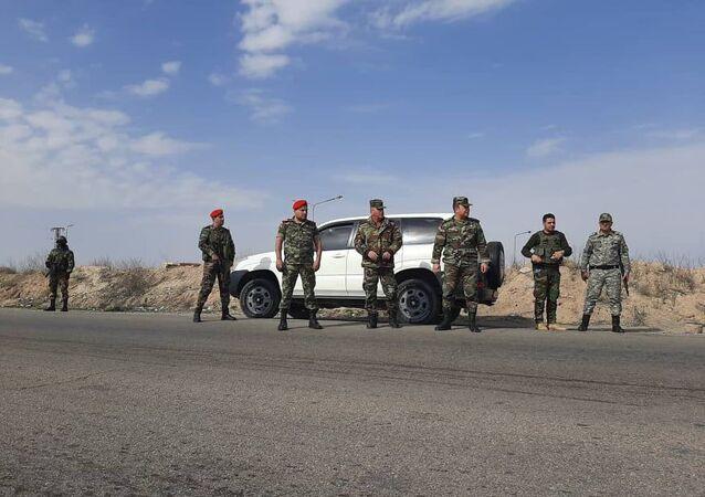 سبوتنيك تواكب عمليات الجيش السوري لتأمين الطريق الدولي (تدمر- ديرالزور)
