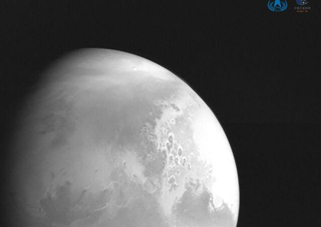 صورة نشرتها الصادرة إدارة الفضاء الوطنية الصينية لكوكب المريخ تم التقاطها بواسطة مسبار المريخ الصيني تيانوين-1 في 5 فبراير/ شباط 2021