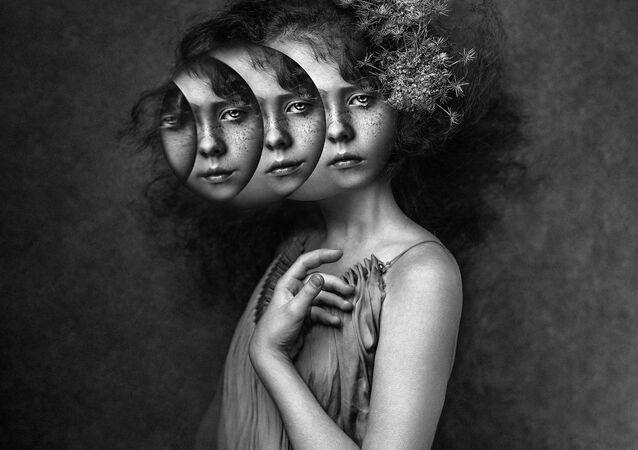 صورة بعنوان فتاة القمر، للمصورة كاميلا ج. غروس، الفائزة في ترشيحات الجوائز الوطنية (بولندا) من مسابقة جوائز سوني العالمية للتصوير الفوتوغرافي لعام 2021