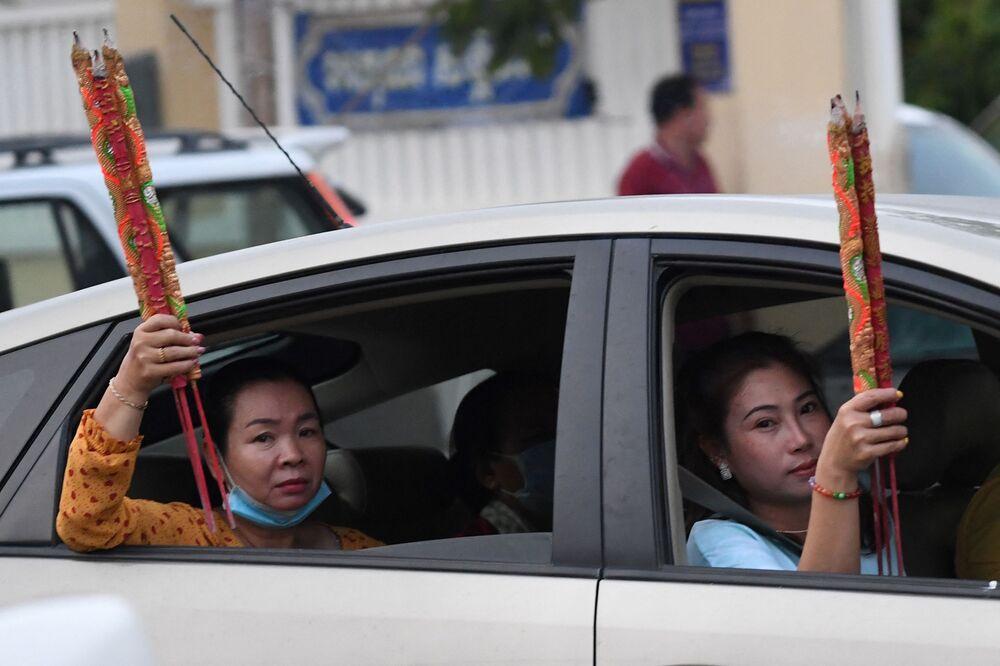 احتفالات حول العالم برأس السنة الصينية (القمرية) الجديدة - تاكماو، كمبوديا 12 فبراير 2021