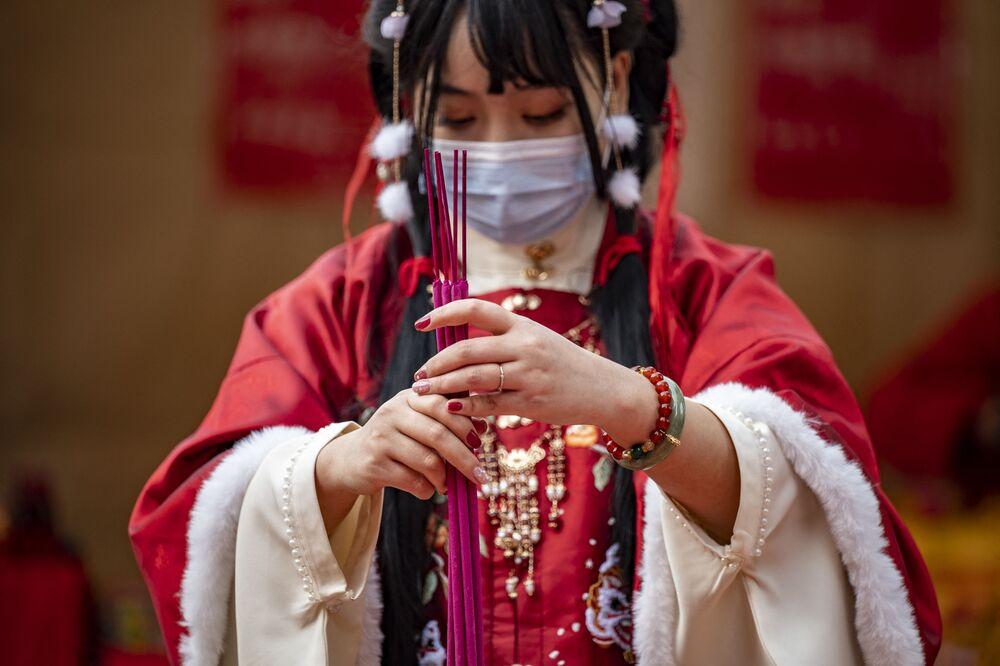احتفالات حول العالم برأس السنة الصينية (القمرية) الجديدة - ما تجو مياو، اليابان 12 فبراير 2021