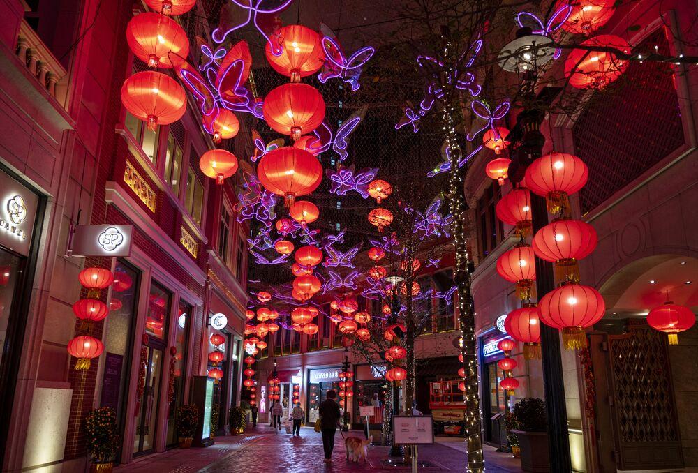 احتفالات حول العالم برأس السنة الصينية (القمرية) الجديدة - هونغ كونغ 12 فبراير 2021