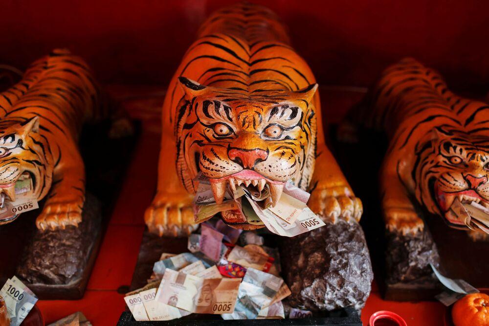 احتفالات حول العالم برأس السنة الصينية (القمرية) الجديدة - جاكارتا، إندونيسيا 11 فبراير 2021