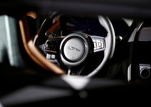 شركة جاغوار لاند روفر تكشف النقاب عن سياراتها جاغوار إف تايب الجديدة خلال عرضها العالمي الأول في ميونيخ، ألمانيا، 2 ديسمبر/ كانون الأول 2019