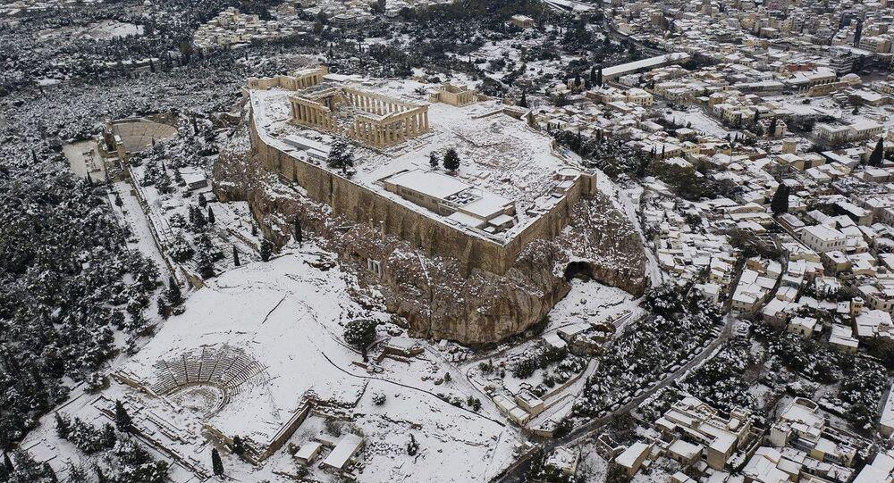 عاصفة ثلجية في اليونان