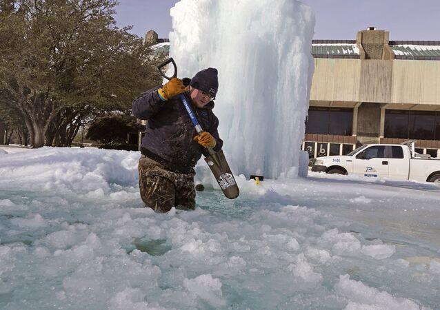انقطاع الكهرباء بسبب تساقط الثلوج الكثيفة في ولاية تكساس، الولايات المتحدة الأمريكية 16 فبراير 2021
