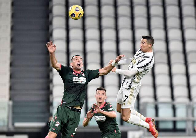 رونالدو يحرز هدفين في كرتوني