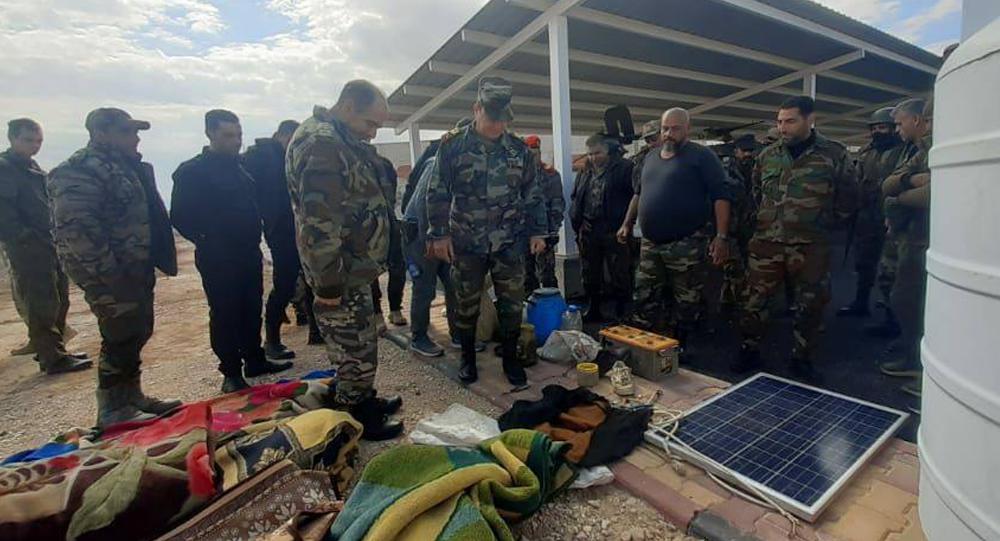 وحدات من الجيش السوري يدمر مخازن سلاح وغذاء لـ داعش على الحدود العراقية