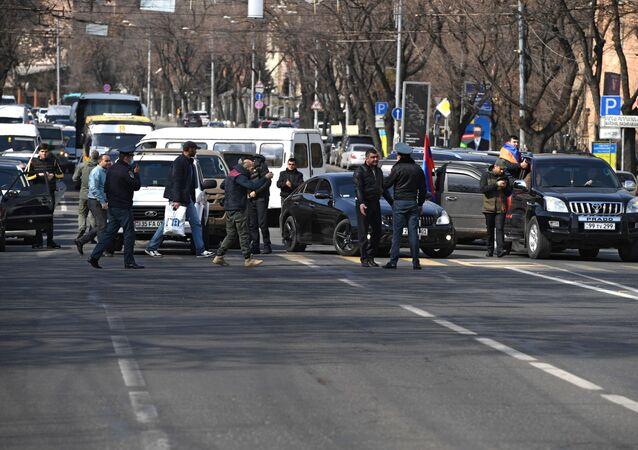 الوضع في أرمينيا - احتجاجات ضد رئيس الوزراء نيكولاي باشينيان في يريفان، 25 فبراير 2021