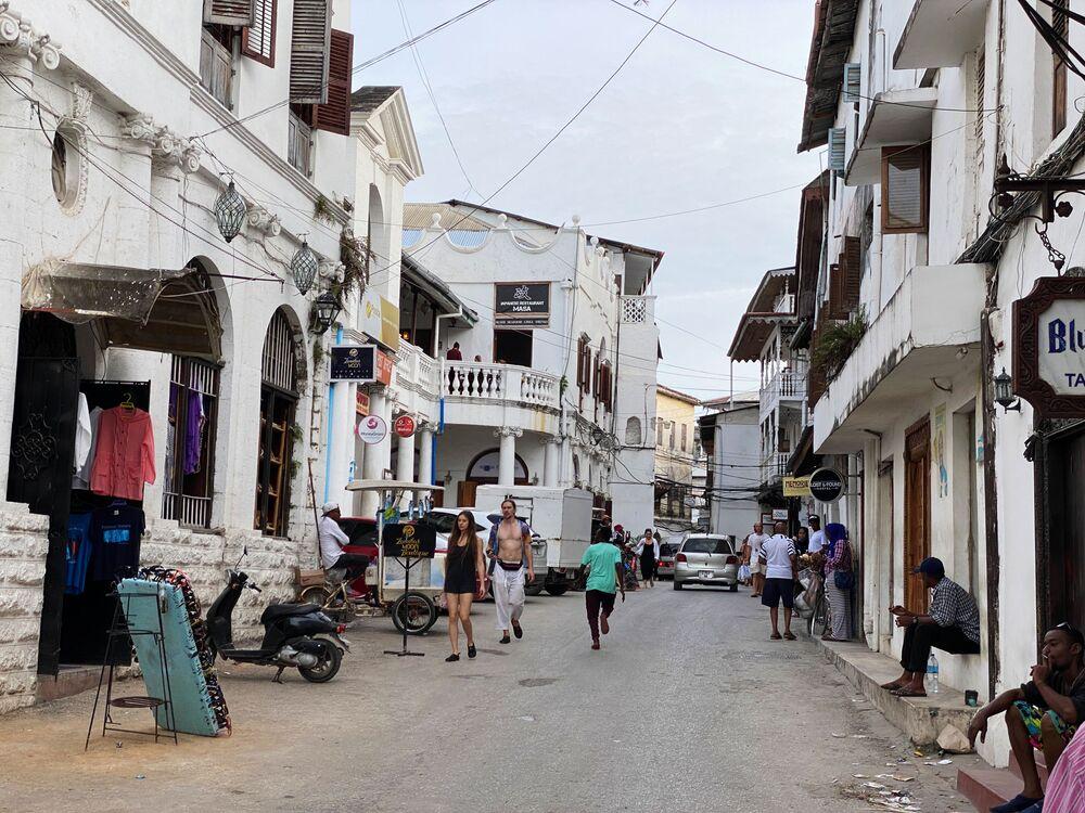 أحد شوارع حي مدينة زنجبار، تنزانيا 18 فبراير 2021