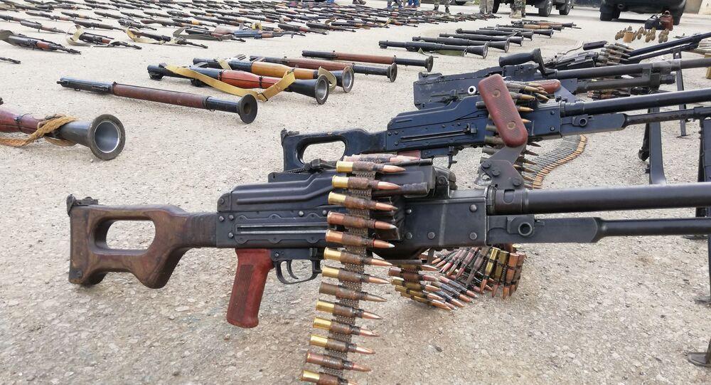 الأجهزة الأمنية السورية تضبط كميات كبيرة من الأسلحة في عدة قرى وبلدات بريف درعا الغربي، جنوبي سوريا 3 مارس 2021