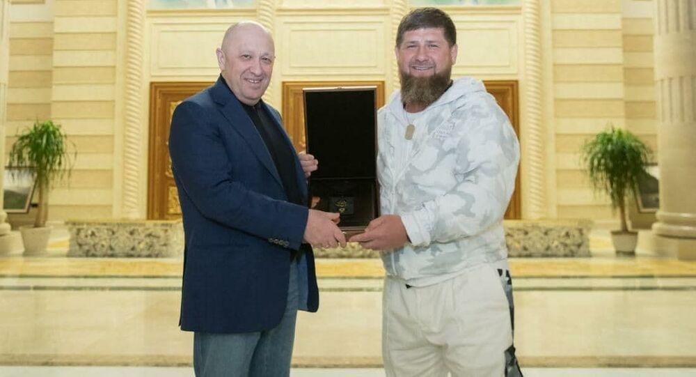 يفغيني بريغوجين برفقة الرئيس الشيشاني رمضان قاديروف