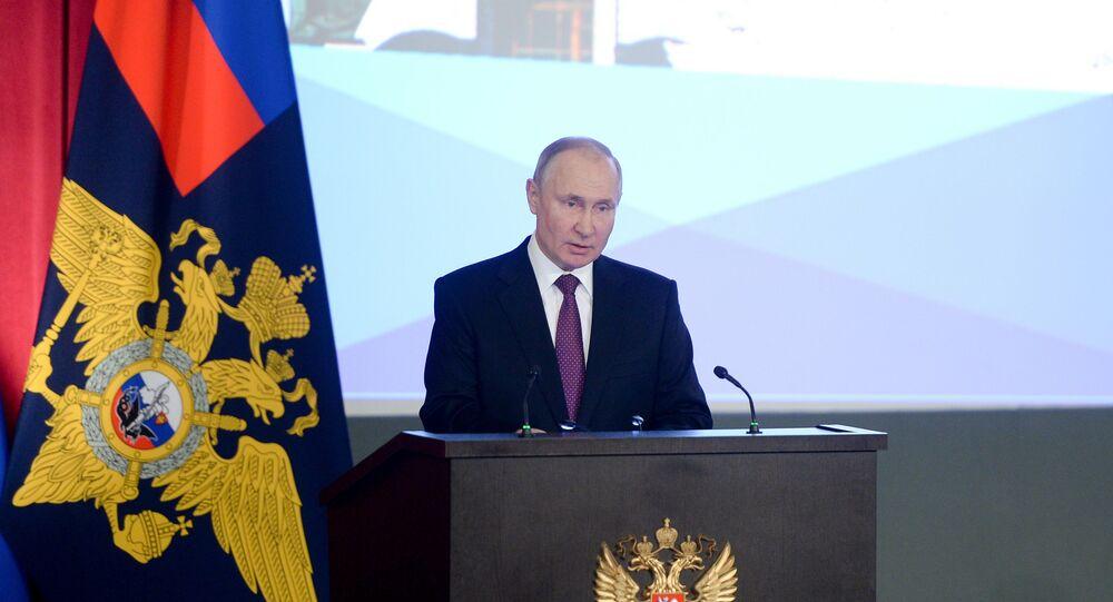 الرئيس الروسي فلاديمير بوتين، خلال الاجتماع السنوي، في وزارة الدفاع الروسية، 3 مارس 2021