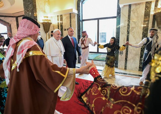 مراسم استقبال البابا فرانسيس بحضور رئيس وزراء العراق مصطفي الكاظمي في بغداد، العراق 5 مارس 2021