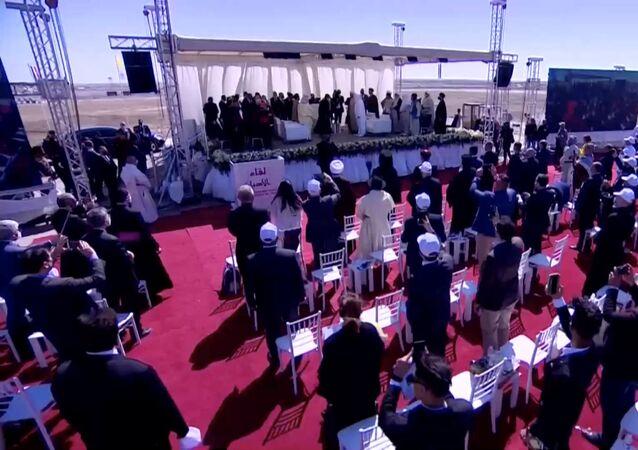 بابا الفاتيكان يصل مدينة أور التاريخية في العراق