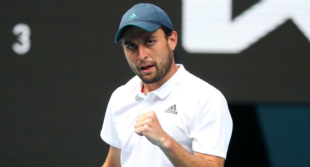 لاعب التنس الروسي أسلان كاراتسيف