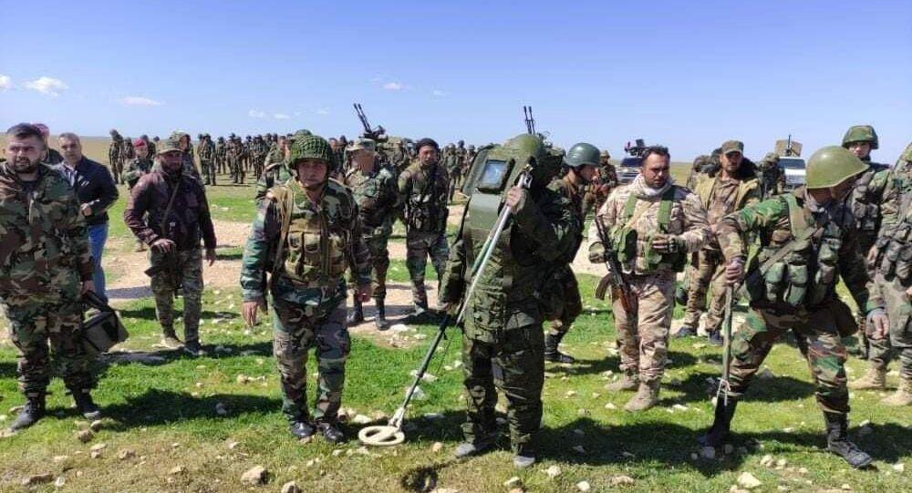 الجيش السوري يبدأ تمشيط بادية حماة بحثا عن الألغام