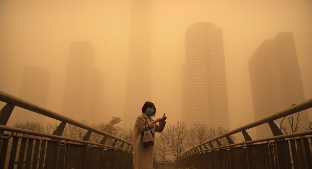 عاصفة رملية قوية تضرب بكين
