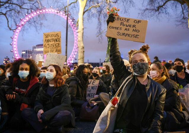 احتجاج في لندن على ممارسات الشرطة بعد مقتل في أعقاب مقتل سارة إيفرارد